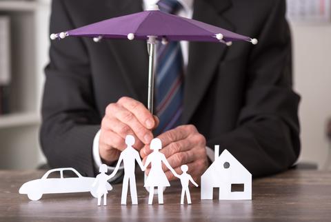 Versicherung-Regenschirm